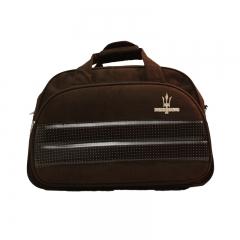 Linha de malas atena - mala de viagem em camurça, cinta destacável de ombro na cor da mala, interior revestido, bolso interno com zipper, compartimento externo com zipper e bolsos para canetas e acessórios.