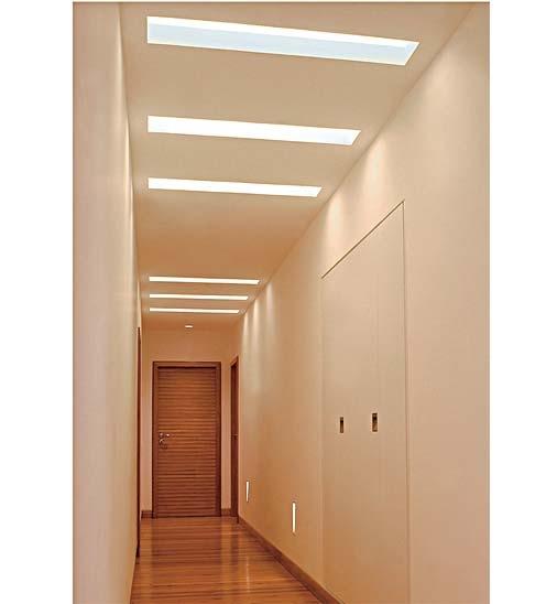 corredor com placa de gesso60x60 e rasgo com luz direta