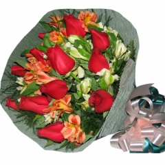 Floresnaweb -   Bouquet Luxo com 36 rosas