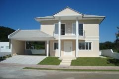 Casa em condomínio á venda
