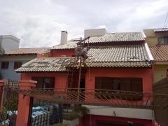 Http://www.rstelhados.com.br/  empresa especialisada em reformas, casas, apartamentos, colocação de pisos, azulejos, porcelanato. colocação depastilhas, serviços em altura. serviços de elétrica e hidráulica e telhado.