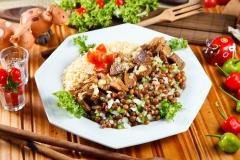 Das veredas - prato concorrente do comida di buteco 2011 - carne de porco à moda, farofa de alho e vinagrete de feijão andu