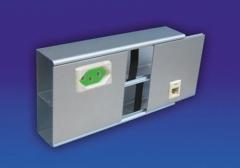 Canaletas alumínio: com um intersepto centralizado para tomadas elétricas e rj45. acabamento: anodizado fosco