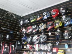Linha completa de capacetes