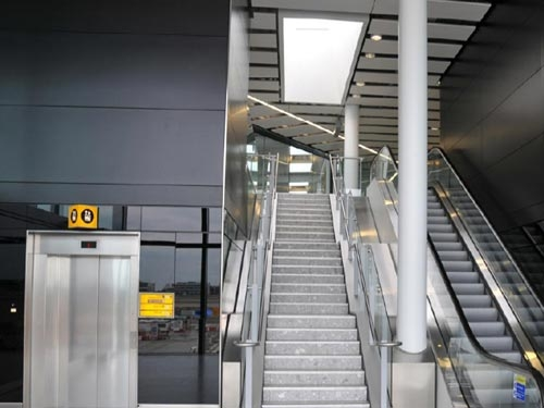 Elevador e Escada da BLT