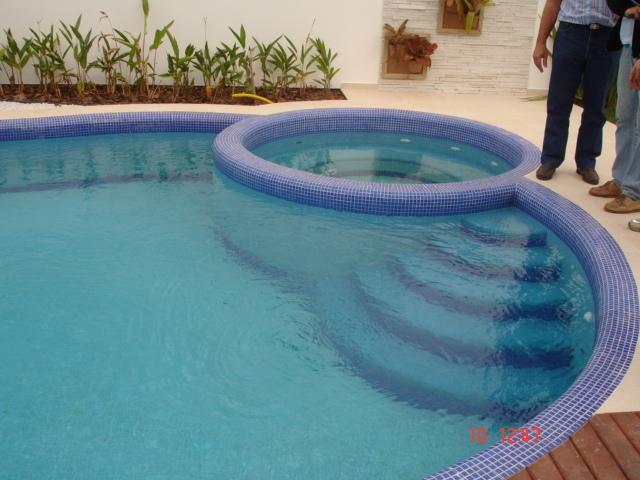 Steinfiber banheiras piscinas e prod em fibra ltda for Piscinas de fibra de ocasion