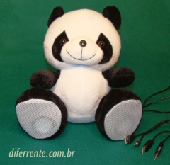 Webcam super panda 3 em 1. se você gosta de bicho de pelúcia, vai amar este panda. além de ser uma webcam, tem microfone e duas caixas de som nas patas. quer um? vá então em www.diferrente.com.br e compre o seu.