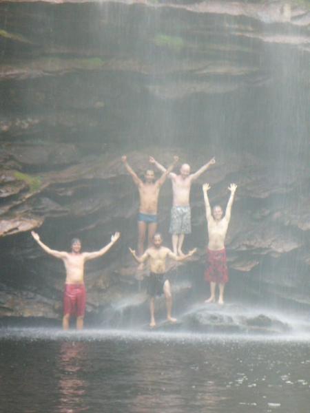 Nada melhor como um bom banho de Cachoeira! Vem com a CIRTUR vc também!