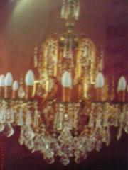 Lustres classicos com placas de cristal restauração e reposição de peças
