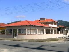 Pintura externa de casa em joinville, incluindo grafiato e pintura de telhado