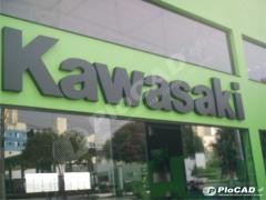 Fachada em letra caixa - cliente kawasaki