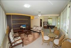 Refeitório climatizado com sala de estar anexa