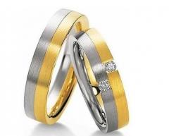 Aliança sem solda, torneada, em ouro 18 k, para bodas ou casamento. modelo interno: anatômica    modelo externo: reta largura: 3.5 mm altura 1.5 mm detalhes: acabamento fosco com uma lateral em ouro amarelo e outra em ouro branco e 2 diamantes de 1 ponto e meio (somente na feminina) (informações sobre o par) peso: 6.0 r$ 729,00 ou em 18x no pagseguro
