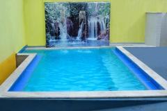 A pousada caragua oferece uma pequena piscina com hidro.