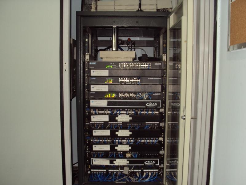 Rack com rede estruturada