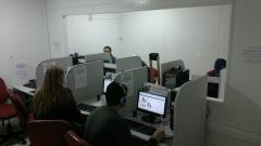 Cyber café - área separada dos jogadores.