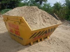 Obra limpa e organizada com entrega de areia, seixo, massará dentro do container
