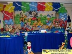 Castelo do mickey - decorando sua festa de aniversário infantil com temas desenvolvidos pela maria fumaça festas --> www.mariafumacafestas.com.br