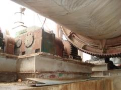 Desmontagem de equipamento na coamo