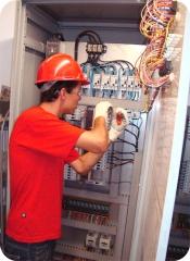 Instalações e Manutenções em quadro de comandos e de distribuição