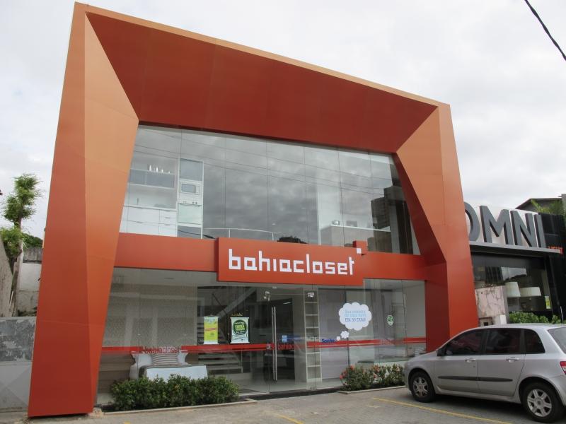Foto fachada da bahia closet com revestimento em alumnio for Fachada aluminio