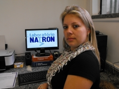 Fl�via souza, propriet�ria do laborat�rio natron.