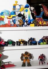 Muitos brinquedos! sempre os melhores e mais novos brinquedos!