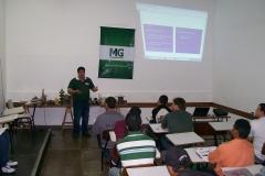 Aulas teóricas com instrutores capacitados