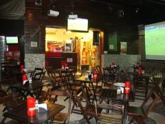 Baccará bar grill bar ambiente