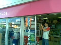 Porta automática loja de conveniência br mania