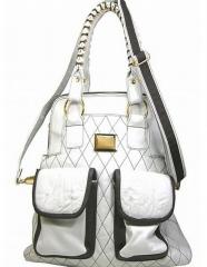 Bolsa feminina em couro branco e detalhes com couro preto
