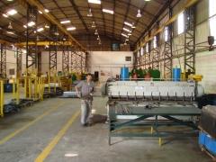Interior da fabrica, área de corte e dobra
