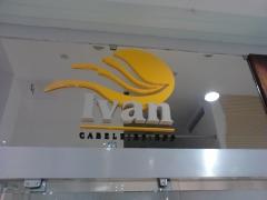 Letreiro Ivan cabeleireiro - Letra Caixa Em Acrílico - Shopping Aldeota -  Fortaleza
