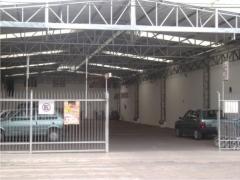 Galpão/estacionamento feito em nilópolis - rj em junho de 2011
