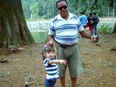 Passeio com a neta izabella no parque