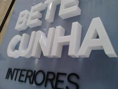 Letreiro Bete Cunha Interiores - Letra Caixa em Acrílico - Loja Fortaleza