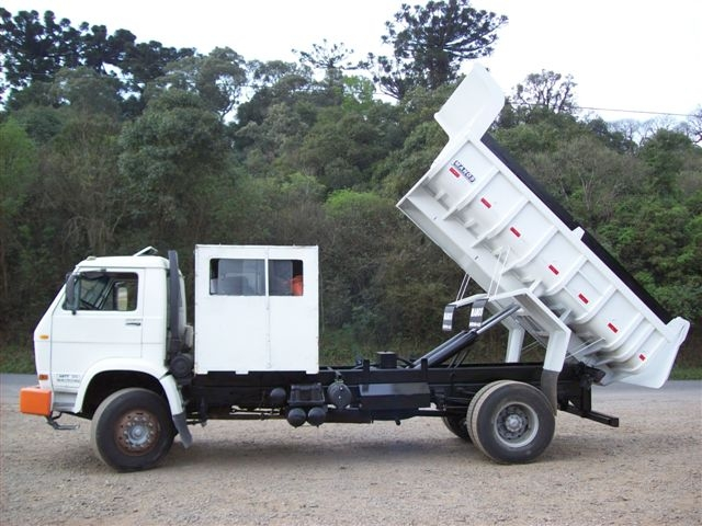 CAÇAMBA 6 M3 COM CAB TRANSP P/ 8TRABALHADORES