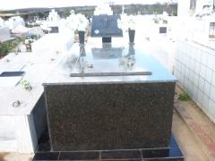 Tumulo de granito de 01 gaveta