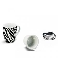 Caneca em cerâmica com infusor