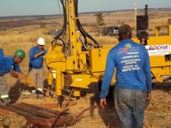Perfuratriz hidraulica para perfuração de argilas e siltes de grande dureza