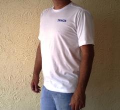 Camiseta de malha gola careca para uso profissional