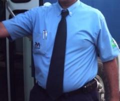 Uniforme para motorista com camisa manga curta