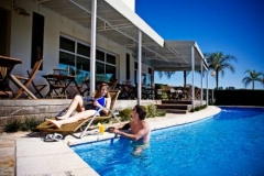 Comfort suites - piscina do hotel