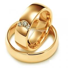 Modelo:abaulada anatomica, acabamento polido com 3 diamantes de tamanhos variados, totalizando 6 pontos, na feminina.