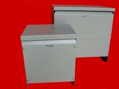Transformadores e autotransformadores em gabinete metálico