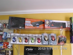 Grande variedade de mouses, teclados, access point, mochilas e pastas para notebook
