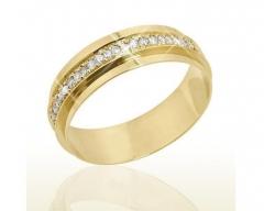 Aliança torneada, sem solda, em ouro 18k para casamento. modelo interno: reto - largura: 5.50 mm detalhes:acabamento polido, laterais rebaixadas e no centro com 21 diamantes de 1.5 pontos ( apenas na feminina)  peso do par: 9.0