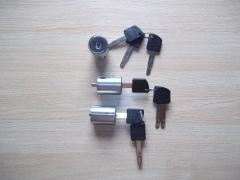 Sistema de fechadura, chave multi ponto, peças em aço, inviolável.