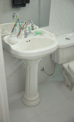 lavatorio  com  coluna