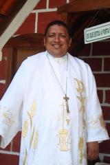 Foto 2 religião no Minas Gerais - Santúario de Santo Expedito e Nossa Senhora Destadora dos nós